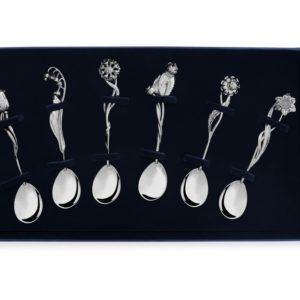 Набор серебряных чайных ложек Цветы России с футляром